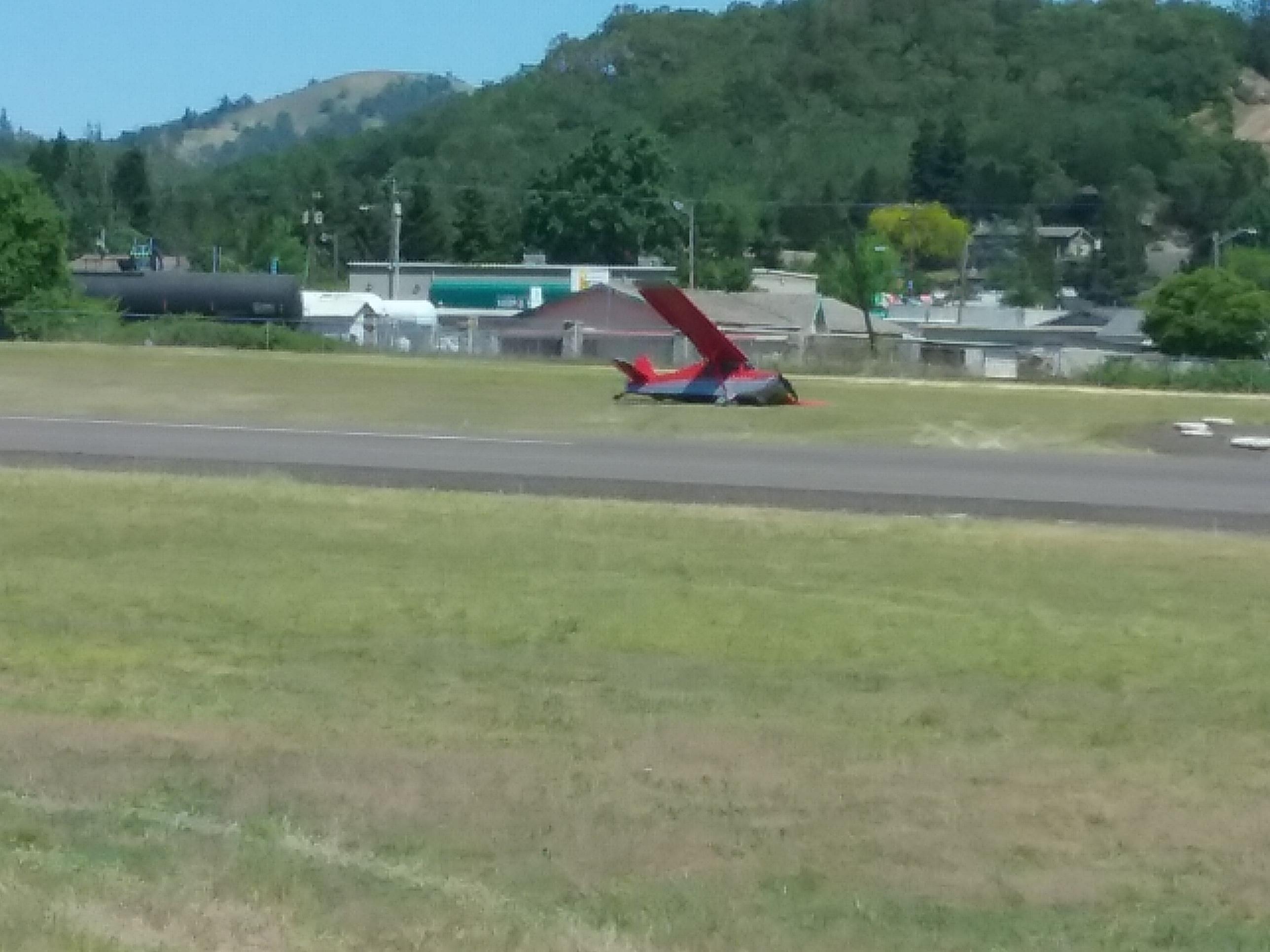 Airplane Crash -- Roseburg Municipal Airport -- 5-10-19 (Photo) featured image